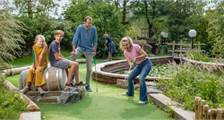 Adventure golf in Center Parcs De Huttenheugte
